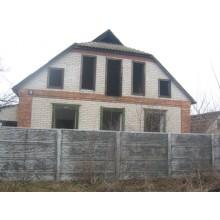 >Продам в п. Печенеги дом недострой