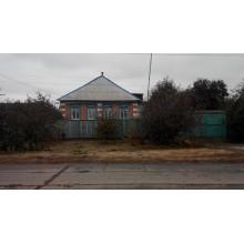 >В пгт Печенеги продам добротный дом пл. 72 кв.м