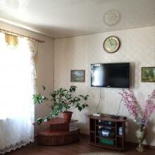 >Продам шикарный добротный 2 эт. дом в живописном месте пгт Эсхар
