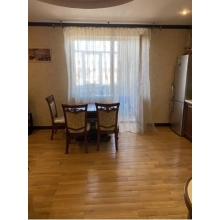 >Продам двухкомнатную квартиру в центре города