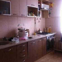 >Cрочно в  п. Эсхар продам 3 ком. кв-ру, 1/2, общ. пл. 60 кв.м