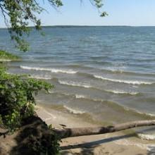 >Продам в 300 метрах от берега Печенежского водохранилища участок