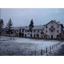 >Магазин поселок Эсхар, расположен в центре